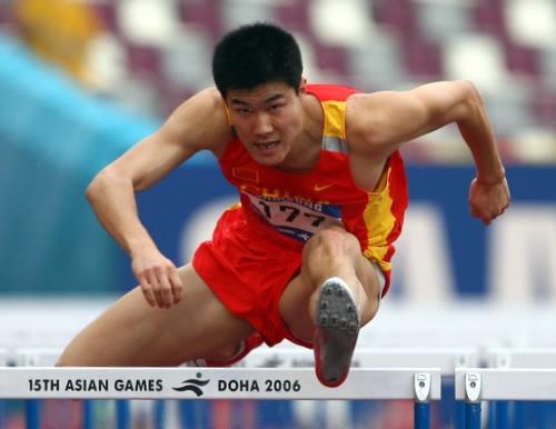 图文:男子110米栏预赛结束 史冬鹏轻松晋级决赛