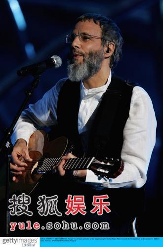 莎朗斯通任诺贝尔音乐会嘉宾 新老歌手齐献歌