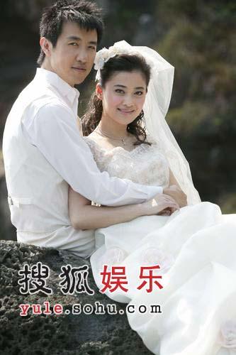 为打破离婚谣言 梅婷曝光与老公甜蜜婚纱照(图)