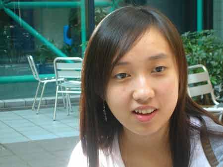 高考状元赴香港求学三个月 称压力不逊于高考