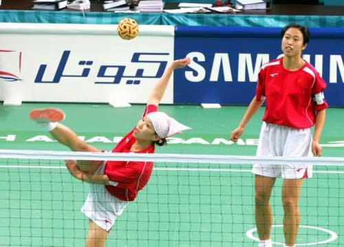 图文:女藤双人赛中国2-0胜菲律宾 组织进攻