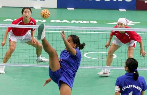 图文:女藤双人赛中国2-0胜菲律宾 菲律宾队员