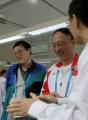 图文:刘鹏到亚运新闻中心看望前方组 亲切交谈