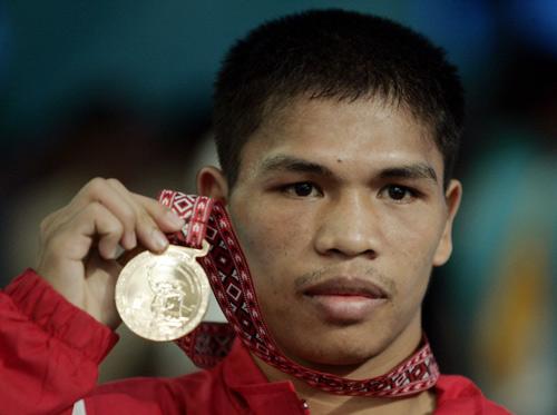 图文:亚运会拳击51公斤级 菲律宾选手夺金