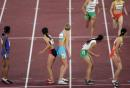 图文:女子4x400米接力决赛 各队准备交棒