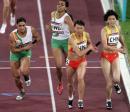 图文:女子4x400米接力决赛 中国队完成交接棒