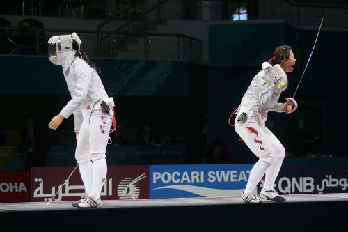 图文:亚运女子佩剑团体决赛 谭雪庆祝胜利