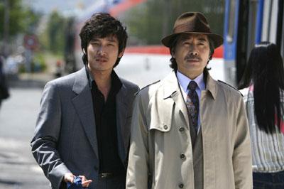 韩国电影《老千》剧照