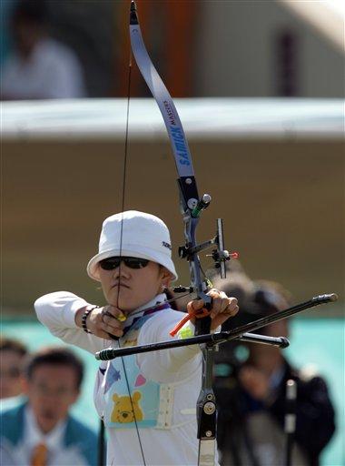 图文:射箭女团赛 韩国队再次夺金中国队摘银