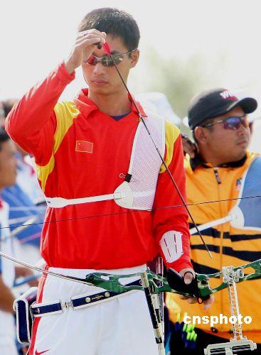 图文:亚运射箭团体 中国男队战胜中国香港队