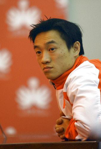 图文:06世界十佳评选启动 亚运冠军杨威在现场