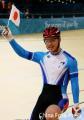 图文:场地自行车男子争先赛 日本北津留翼夺冠