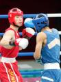 图文:亚运会男子拳击60公斤级 胡青准备进攻
