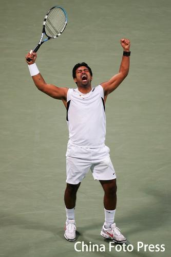 图文:多哈亚运会网球男子双打 印度选手夺冠