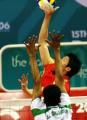 图文:中国男排险胜沙特晋级决赛 网前一对一