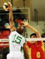 图文:中国男排涉险晋级决赛 沙特队网前进攻