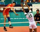 图文:中国男排胜沙特晋级决赛 网前一对一攻防