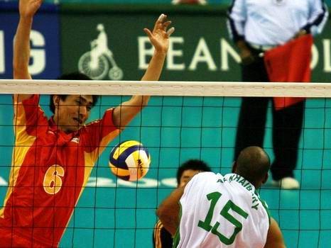 图文:中国男排3-2苦战胜沙特 晋级亚运会决赛