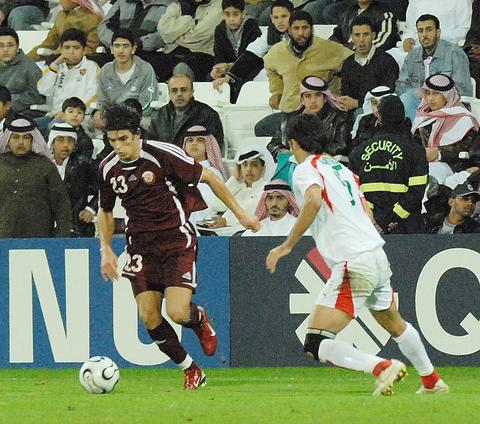 图文:男足半决赛 卡塔尔2:0胜伊朗闯进决赛