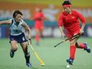 图文:中国女曲卫冕亚运冠军 突破严密的防守