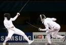 图文:中国获女子重剑团体冠军 试探对手