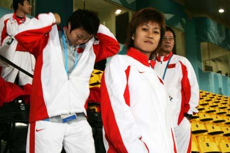 组图:中国女足夺得亚运会铜牌 领奖台上故事多