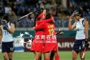 图文:中国女曲胜日本卫冕亚运冠军 欢庆胜利