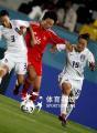 图文:中国女足胜韩国夺亚运铜牌 突破双人包夹