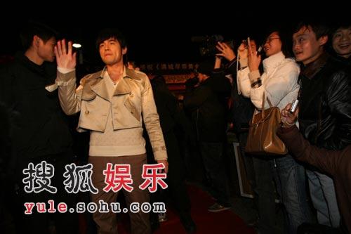图:《黄金甲》首映礼之红地毯-周杰伦引骚乱