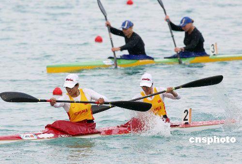 图文:亚运女子500米双人皮艇于腊梅朱敏园摘金
