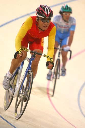 图文:美图大赏之十二 自行车男子凯林赛第一组