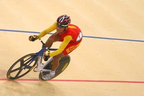 图文:美图大赏之二十 自行车男子凯林赛第一组