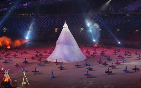 独家图片:亚运闭幕式彩排 国王和阿拉伯舞者