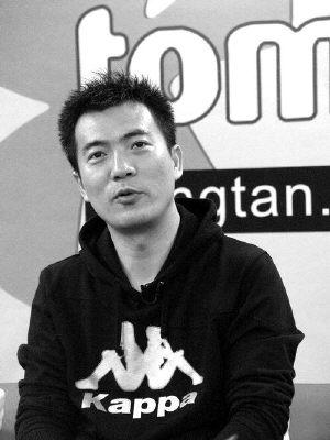 黄健翔辞职日赚三万 在凤凰卫视工资等同鲁豫