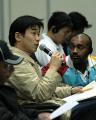 图文:中国代表团召开新闻发布会 日本记者提问