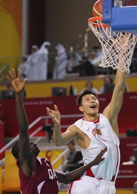 图文:亚运会中国男篮VS卡塔尔 轻松得分