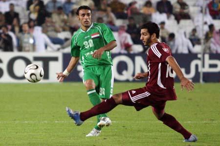 图文:卡塔尔男足夺得亚运冠军 伊拉克进攻受阻
