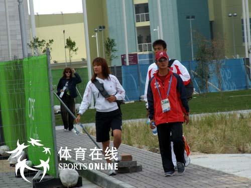 图文:曲终人散 闭幕式前的多哈亚运会运动员村