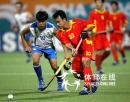 图文:中国男曲1-3韩国 中国队边路突破