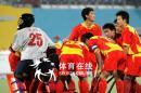 图文:中国男曲1-3韩国 中国队庆祝进球