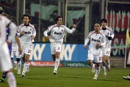 图文:佛罗伦萨2-2米兰 吉拉迪诺领跑米兰