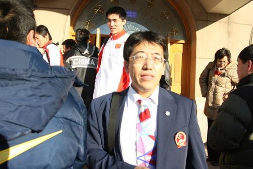 图文:中国亚运代表团抵京 载誉归来