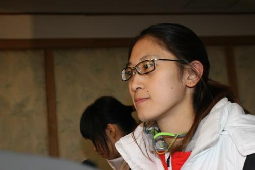 图文:中国亚运代表团抵京 女篮队员隋菲菲