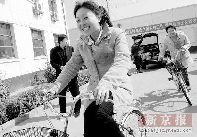北京延庆将再聘275名大学生村官 08年每村两名