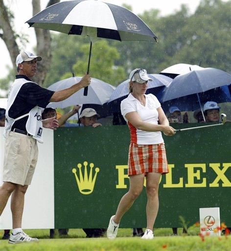 精彩回顾:欧亚高尔夫美女PK 世界队长索伦斯坦