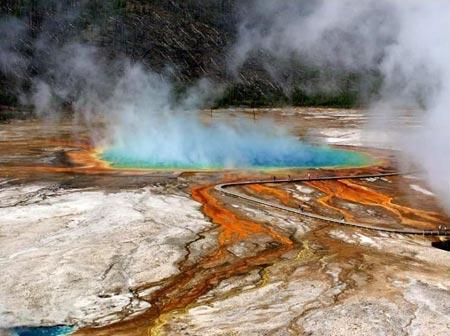 美国黄石国家公园,火山频繁爆发的地带