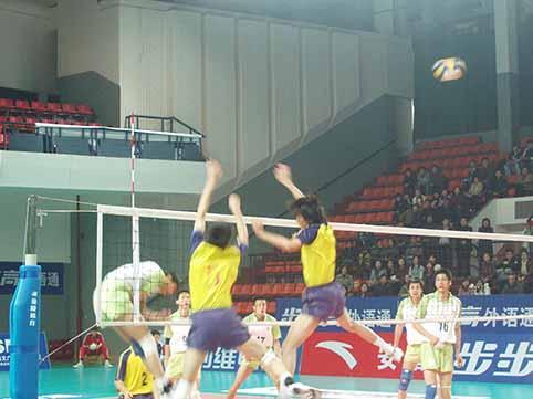 男排联赛第15轮:上海战术更灵活 3比1击败北京
