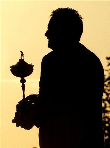 高坛年度语录 伍兹称高尔夫根本无法和父亲相比