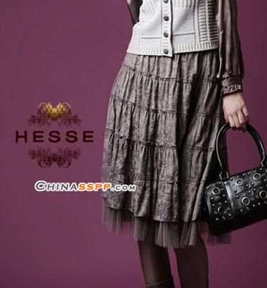 服装:雅致裙装 藏起小粗腿(5款)