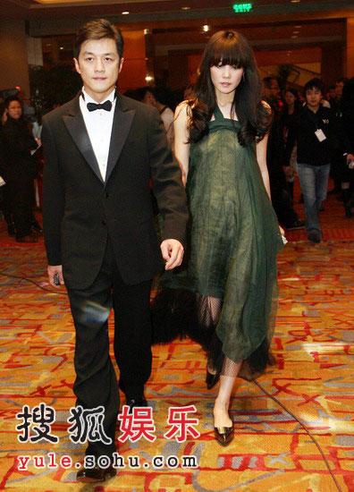 李亚鹏现场谢老婆:王菲给我一个好女儿